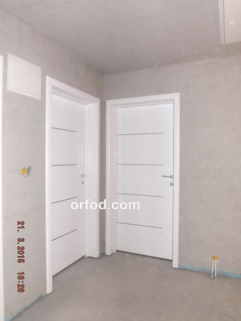 vrata sobna bijela linije